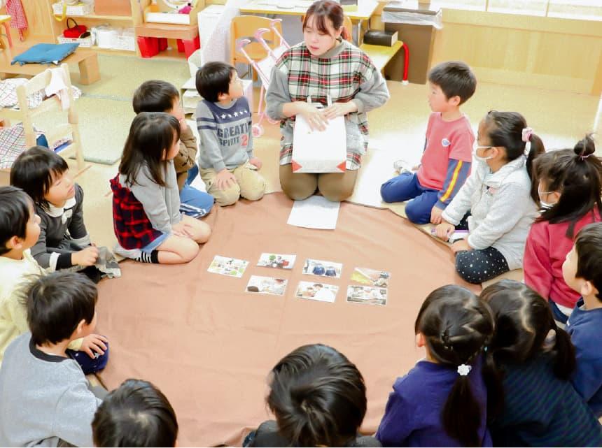 みんなの時間(環境認識・課業)/ 室内での遊びを通した教育